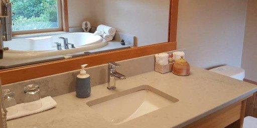 Reef Point Oceanfront BB Sea Mist Suite Bathroom