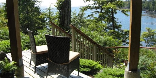 Reef Point Oceanfront BB Whale Song Suite Outdoor Seating